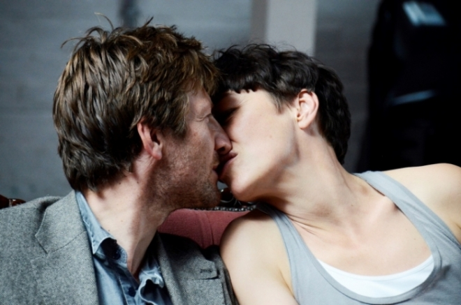 Mark Bazeley and Olivia Williams as Johan och Marianne.